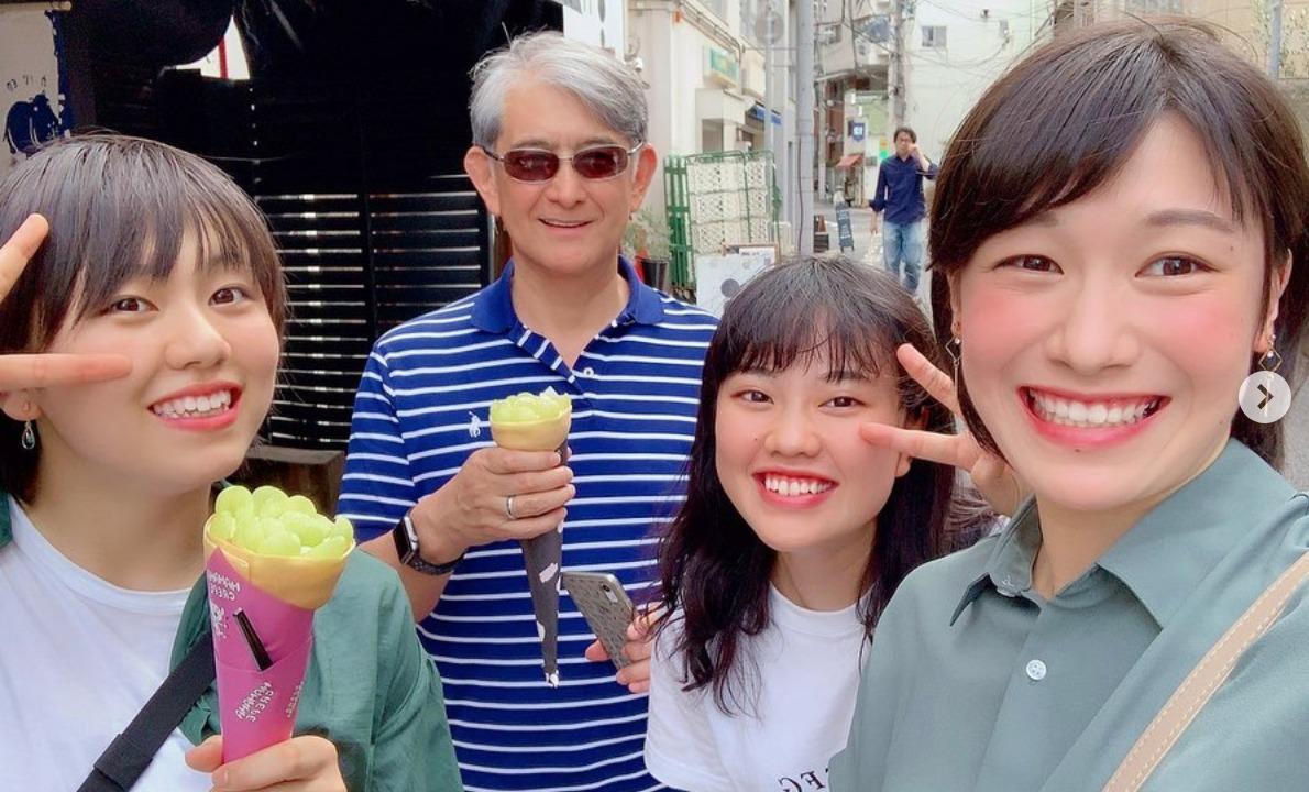 石川真佑 かわいい 笑顔 私服 画像 兄 姉 似てる