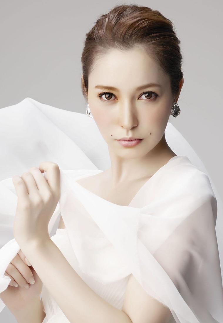 藤井リナ 現在 仕事 画像 旦那 結婚 駐車違反